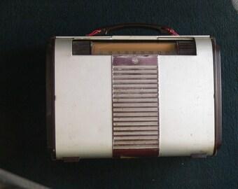 rca victor metal case radio