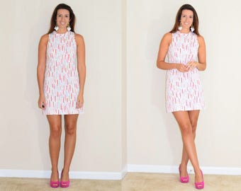 Vintage White Shift Dress with Vertical Stripe Design and Dots