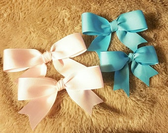 Small bow clip or hair tie accessory
