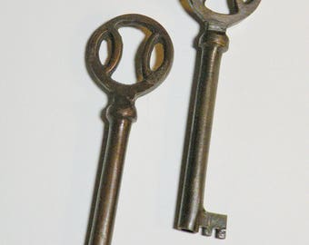 2 Antique Bronze Key charms extra large vintage inspired steampunk brass 82x23mm DB2