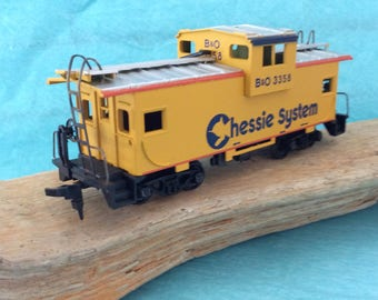 HO Scale Caboose - B & O 3358 - Chessie System - steel caboose - Model Railroading - train layout - Train collector - original box