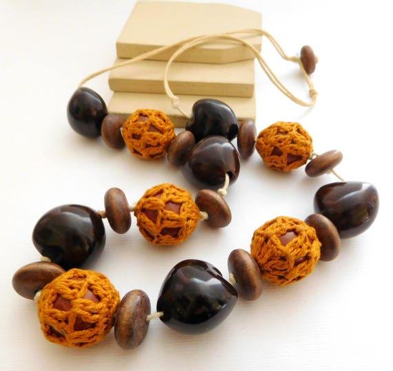 Vintage Hippie Boho Orange Crochet Coconut Kukui Chunky Bead Necklace NN9