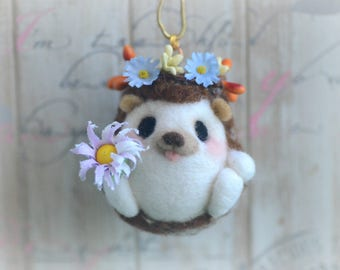 Needle felt hedgehog bag charm, handmade hedgehog doll handbag charm, needle felt woodland animal doll toy, bag accessories, gift under 25