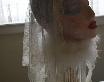 Vintage 1950s Lace Mantilla, Catholic Head Covering, Cream Lace Triangle Chapel Veil Scarf