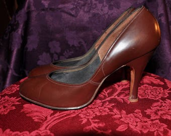 1950s Brown Leather Pumps - 5  1/2 - 6
