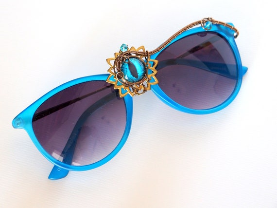 Blue Dragon eye wire wrapped sunglasses