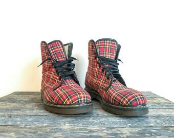 Vintage Dr Martens, UK Mens 9, Doc Martens,Combat Boots, Red Plaid Dr Martens, Stuart Tartan Plaid Docs, Made in England