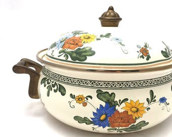 Vintage 50's CREAM Color FLORAL Enamel Cooking Pot Wtih Brass Handles And Lid / HUNTER Green And Blue Floral Cookware