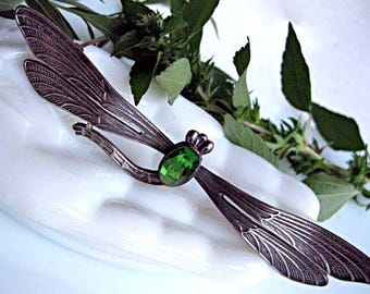 Silver Dragonfly Brooch, Faceted Green Glass Body Stone, Art Nouveau Sterling Etched Wings, Flying Darner Winged Silver Bug, 15 Grams