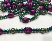 9 feet of colorful bead garland (HR11)