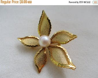ON SALE Faux Pearl Flower Pin Item K #97
