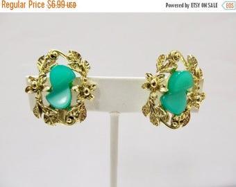 ON SALE Vintage Green Plastic Floral Earrings Item K # 1479