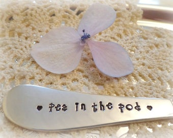 baby announcement jam spreader butter knife stamped silverware pea in the pod pregnancy vintage silverware expecting a baby gift