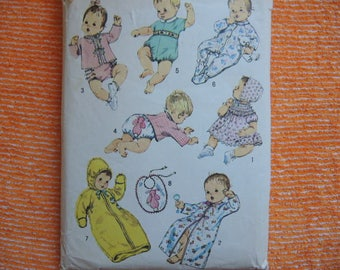 vintage 1970s Simplicity sewing pattern 8761 babies layette size 6 months