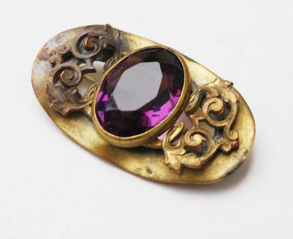 Victorian Bar Brooch -Purple Amethyst Glass  - Gold filled - c-clasp - filigree leaf design