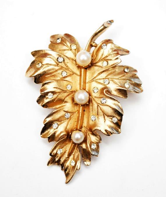 Coro Leaf  Brooch - Gold - Rhinestone - White  Pearls - Signed pin