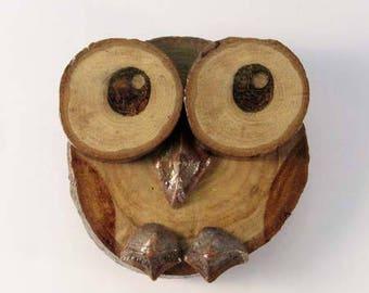 OWL magnet in chestnut (ref.43 - 07)
