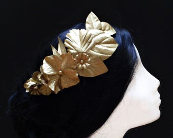 Bridal wreath. Gold leaf wreath. Silver flower wreath. Bride headpice. Wedding crown. Wedding hair accessory. Bridesmaid wreath. Bride hair.