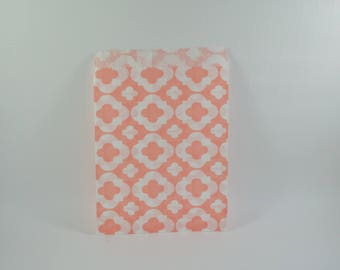 8 salmon arabesque pattern paper bags