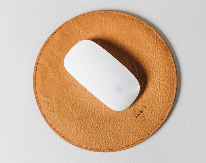 "Round Mouse Pad, Mousepad, leather, wool felt, ""Hyp"", by band&roll"
