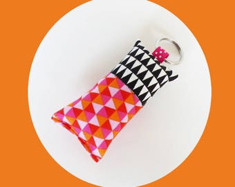 Keychain in black and white Triangles pattern fabric / pink and neon orange