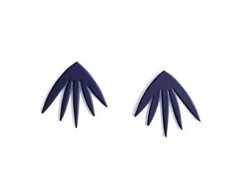 Boucle d'Oreille PETULA - Bleu Nuit  • mignon • cadeau • noel • pastel • feuille • minimaliste •