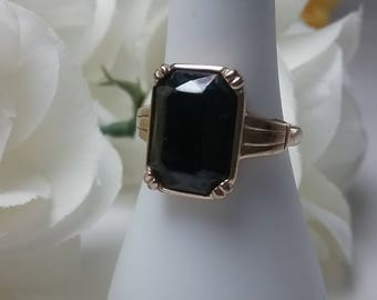 Vintage Avon Ring - Black Onyx stone in Gold Plated Ring - Size 8