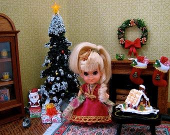 Vintage Dollhouse Miniature Fireplace & Handmade Christmas Stockings