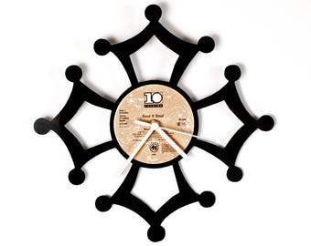 Occitane Cross Vinyl Clock