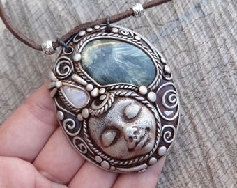 SHIPPING INCLUDED Seraphinite and Moonstone Goddess Pendant