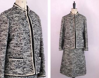 Vintage 1960s Tweed boucle wool jacket and skirt suit two piece - Chanel style - Tweed suit - Boucle suit - Skirt suit - Tweed jacket set