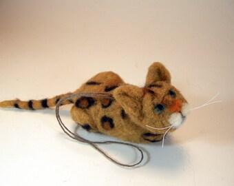 Felted Bengal cat ornament/Bengal cat car mirror charm/felted cat charm/needle felted Bengal cat charm/Bengal cat hanging ornament decor