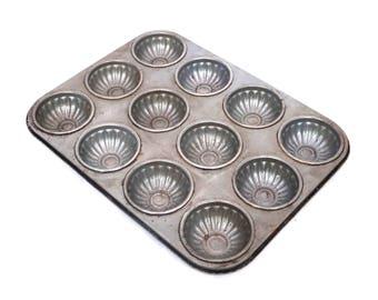 Vintage Cake Pan, 12 Hole Metal Cake Tin, Sponge Pan, Scone Pan, Metal Cake Pan, Baking Tin, Pastry Tin Baking, Metal Madeline Pan