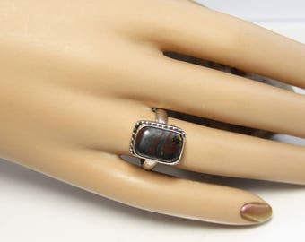 Vintage Gemstone Ring Sterling Silver And Jaspilite Size 7.25