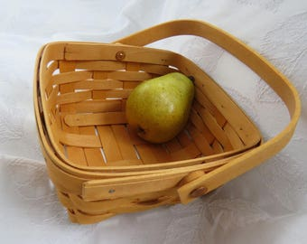 """Longaberger basket (berry basket) with hinged handle 7.25"""" square by 3.75"""" high sweet little thing from 1990 in very good condition"""