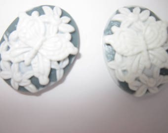 2 resin Butterfly craft - 27mm