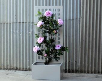 Metal Planter Box With Decorative Screen