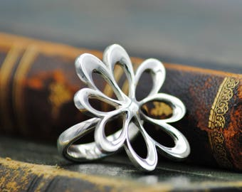 Flower Silver Ring, Sterling Silver 925, Flower Jewelry, Handmade Ring, Contemporary Ring, Big Ring, Nature Jewelry, Gift for girl