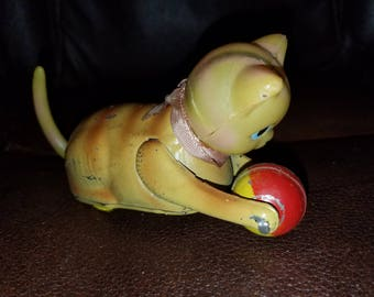 Vintage Tin & Celluloid Wind Up Cat W/Ball Toy