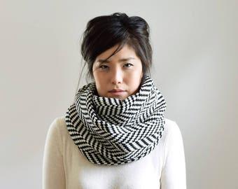 Herringbone Knit Infinity Scarf, Chunky Knit Scarf, Black and White Winter Scarf