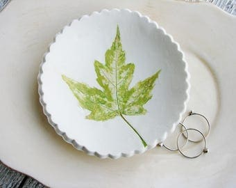 Leaf Ring Dish, Clay Ring Holder, Green Ring Dish, Catchall Dish, Jewelry Holder
