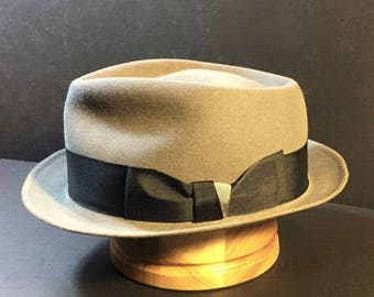 Vintage Refurbished Gray Dobbs Rainbow Hat Fedora Size 7 1/4 58 cm.