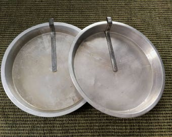 Aluminum Round Cake Pans - Set of Two Aluminum Cake Pans With Slide Release Lever - Made in Canada