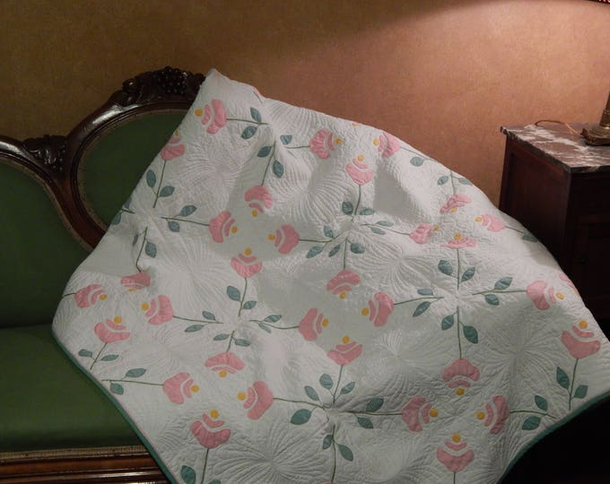 Featured listing image: Applique Pink Roses Quilt