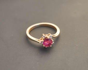14K Yellow Gold Round Pink Sapphire & Five Diamond Ring, Sapphire 0.6 Ct