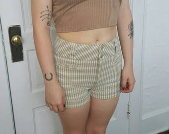 90's Plaid Express Shorts