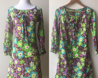 vintage 60's PSYCHEDELIC BABYDOLL flower child mini DRESS - extra small, small