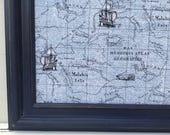 Tableau d'affichage babillard aimanté recouvert tissu carte océan ancienne noir bleu homme gars garçon cadeau lui organisation bureau pères