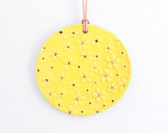 Daisy Ornament, Flower Christmas Ornament, Christmas Tree Ornament, Colorful Holiday Decor, Gold Ceramic Ornament, Christmas Tree Decor