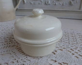 Antique french ironstone terrine pot. Cream ironstone paté pot. French paté pot. French Nordic. Jeanne d'Arc living. Rustic french kitchen